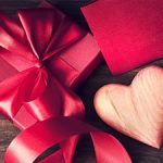 Top Ways To Save Money On Valentine's Day Gifts